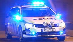 Hvid Porsche Cayenne kørte over sømmåtte, som Politiet havde lagt ud