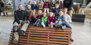 Bænk til børnehave gav 1. præmie til tømrerelever