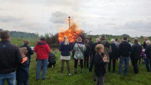 Vellykket Sankt Hans bål i Lyngå