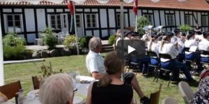 Videoklip fra Grundlovsfest i Lyngå Præstegårdshave