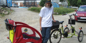 Lions Hinnerup giver kaleche til cykeltrailer