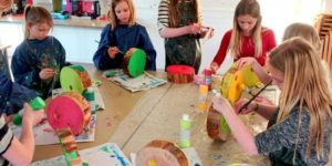 Børnekunsten blomstrer i Favrskovs billedskoler