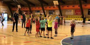 Hadstens børn leger håndbold