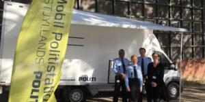 Den mobile politistation på besøg i Ulstrup