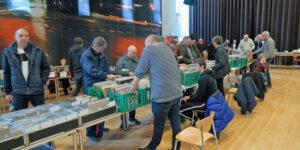 Vinylens Venner havde mange interesserede til PLADEBØRSEN i Sløjfen
