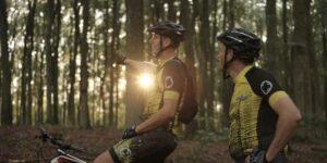 Mountainbikespor får en saltvandsindsprøjtning