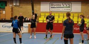 Så er vi igang med Dag 2 på Håndboldskolen i samarbejde medDGI ØstjyllandogBoxBudget.dk😊
