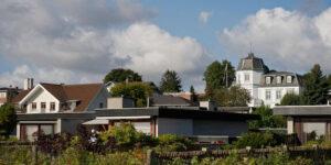 Boligmarkedet gløder stadig: Næsten 9.000 danskere købte ny bolig i juli