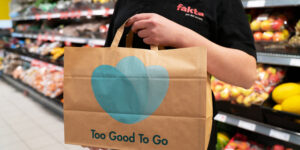 Fakta-butikkerne i Hadsten og Hammel bekæmper nu madspild via Too Good To Go