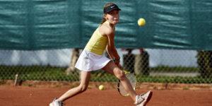Det sprudler af liv på HOG's tennisbaner
