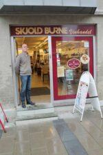 Kom ind til Peter og Torben Aschelund i Skjold Burne i Søndergade i Hadsten