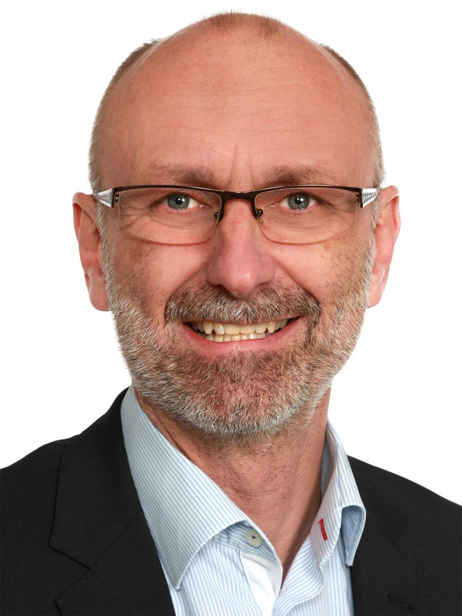 Formuerådgiver i Vestjysk Bank, Per Østergaard Nielsen, kan tirsdag den 7. juli fejre 40-års jubilæum i Vestjysk Bank.