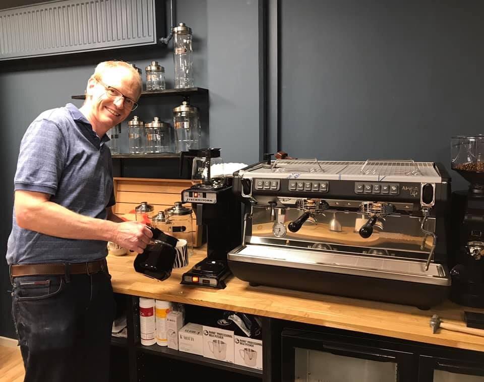 Cafe Snakbar åbner snart, og det er en drøm, der bliver til virkelighed.