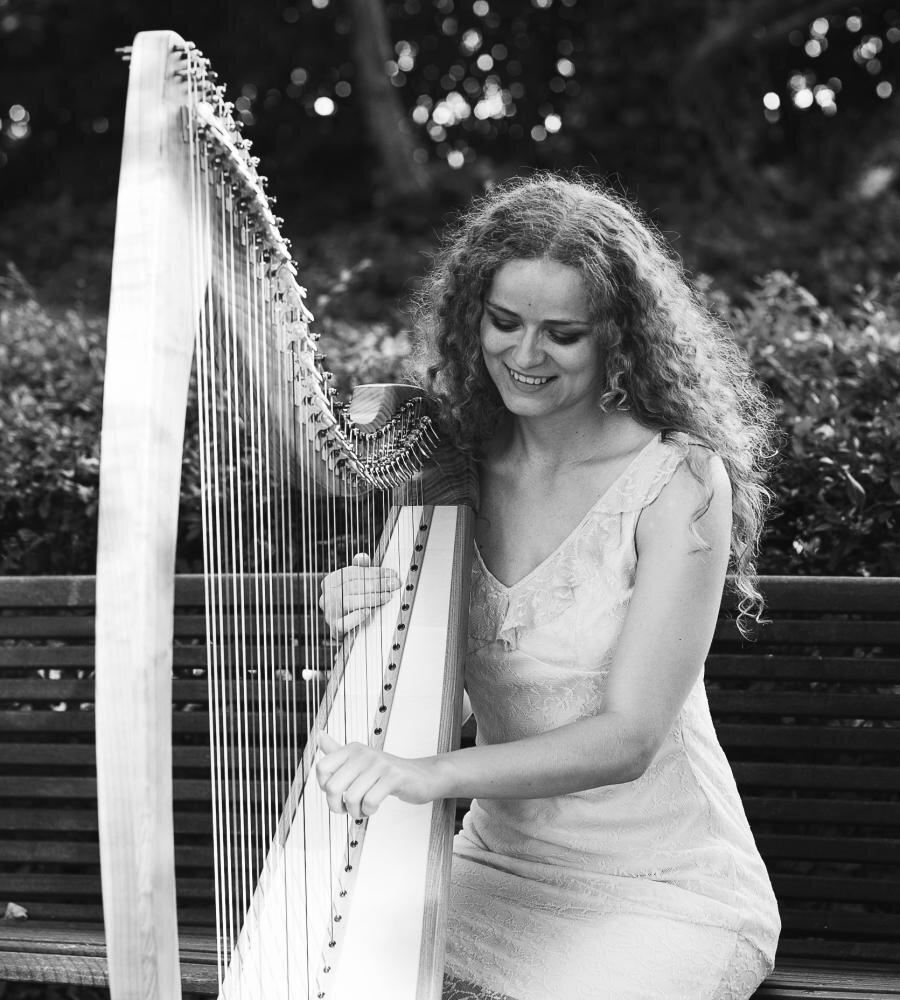 Søndagsmatiné med sang og keltisk harpe
