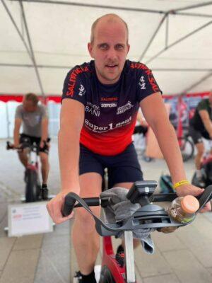 Simon Olsen , Venstre cykler der ud af