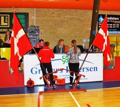 KÆMPE gymnastikopvisning i vestjyskBANK Arena i Hadsten